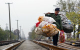 米中貿易戦の激化に伴い、中国当局はこのほど、各地方政府に対して「大規模な失業」を回避するよう命じた(Getty Images)