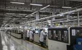 英半導体設計大手アーム・ホールディングスは22日、中国通信機器大手ファーウェイとの取引停止を発表した。写真は中国広東省深セン市にあるファーウェイの工場(Kevin Frayer/Getty Images)