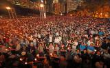 昨年6月4日、香港では天安門事件記念集会に約12万人の市民が参加した(李逸/大紀元)
