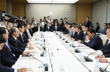 6月5日に開かれた未来投資会議で発言する安倍晋三首相(GettyImages)