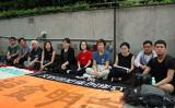 香港教育界や芸術界関係者10人は12日早朝、立法会(議会)の前に集まりハンストを始めた(大紀元)
