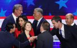フロリダ州マイアミで6月26日から27日にかけて、米民主党による2020年大統領選候補者討論会が開かれた。候補10人に4人が、米国最大の脅威は「中国」と回答した(GettyImages)
