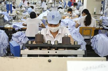 米中貿易戦争開始以来、外国企業が中国から撤退し東南アジアに移転する傾向が加速している(Manan VATSYAYANA/AFP)