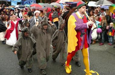 ハーメルンの笛吹き男(2009年の祭り)(パブリック・ドメイン)