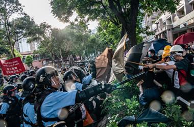 7月13日に香港の上水地区で行われたデモ(Anthony Kwan/Getty Images)