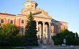 カナダのマニトバ州ウィニペグ市警察当局は5日、同市にある国立微生物研究所(NML)に勤務する中国出身の女性研究者らを逮捕した(shutterstock)