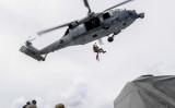 米軍、太平洋で中国船員を救出した。写真は救助訓練中の米兵(c7f.navy.mil)