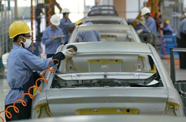 中国メディアの報道によると、国内自動車メーカー大手20社の負債総額が2018年に1兆元(約15兆600億円)を上回り、過去最高水準となった(Photo by China Photos/Getty Images)