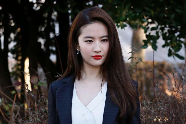 中国生まれの米国籍女優リウ・イーフェイ(PATRICK KOVARIK/AFP/Getty Images)