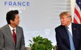 安倍首相とトランプ大統領は8月25日、G7会場の仏ビアリッツで2国間会談を行った。同日の共同記者会見で、日本が米産飼料用トウモロコシを前倒しして購入することを発表した(GettyImages)