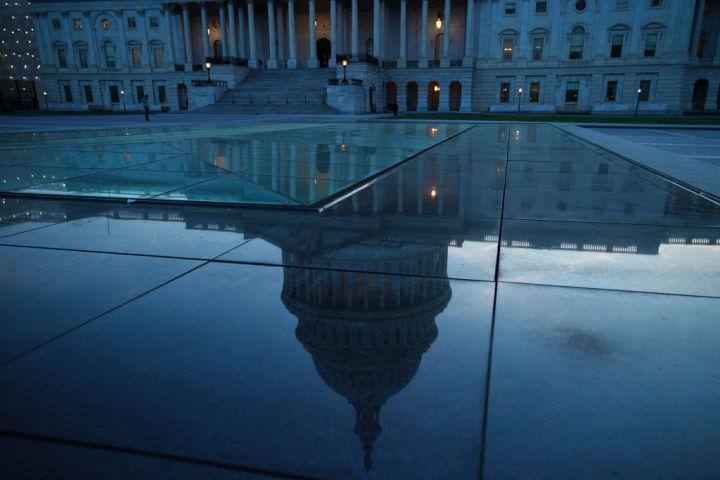 水に映るホワイトハウス。参考写真(GettyImages)