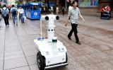 2019年9月、上海では警察パトロールロボットが導入された(VCG)