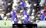 9月17日、後ろ手で手錠され、目隠しされたウイグル族とみられる男性たちが、中国警察により移送される動画が公開された(Screen Shot)