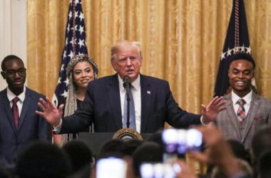 10月4日、全国から300人近くのアフリカ系米国人の保守派活動家がホワイトハウスに集まり、トランプ大統領の話を聞いた(Charlotte Cuthbertson / The Epoch Times)