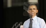 2014年1月、演説文章を表示するテレプロンプターを確認するオバマ大統領(GettyImages)