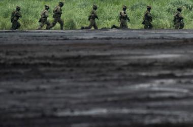 今の自衛隊総兵力はこの軍縮レベルの人数にも足らず約23万人だから、軍縮レベル以下の総兵力だといえます(Photo by Tomohiro Ohsumi/Getty Images)