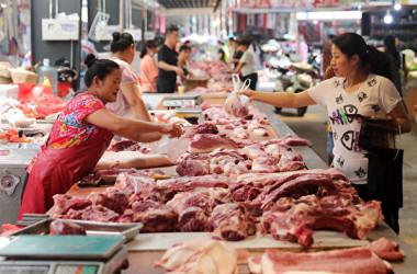 2019年8月22日、中国安徽省淮北市にある生鮮食品市場の豚肉販売ブース(Getty Images)
