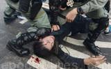 11月12日、香港警察が香港中文大学でデモ隊に対して強制排除に乗り出した(宋碧龍/大紀元)