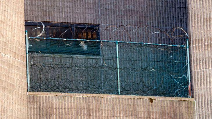 少女売春容疑で起訴された米富豪ジェフリー・エプスタイン氏は8月、拘留中に自殺したとされる。しかし、弟は検死結果を受けて「殺されたかも」と主張している(GettyImages)