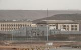 ジブチのドラレ多目的港の隣に建設された中国軍の基地。2018年7月撮影(GettyImages)