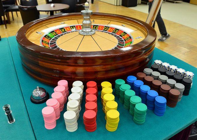 2014年、東京で模擬展示されたカジノのルーレット。参考写真(Getty Images)
