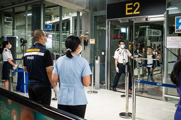 中国武漢市で昨年12月原因不明の肺炎の患者が確認されて以降、周辺国の政府が空港などでの検疫体制を強化した。写真は1月8日タイ・バンコクのスワンナプーム国際空港(Lauren DeCicca/Getty Images)