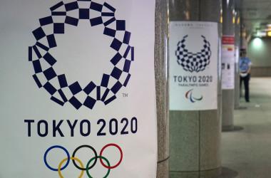 東京都内の駅構内で貼られている東京五輪のポスター。2018年7月撮影(KAZUHIRO NOGI/AFP via Getty Images)