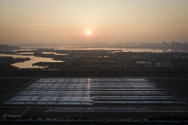 中国武漢市は1月23日から、武漢発高速鉄道などの運行を停止している。写真は2月9日撮影(Getty Images)