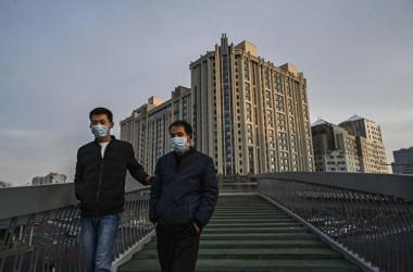 中国の招商証券によると、2月第1週目に国内の36都市の住宅販売件数が前年同期比90%激減した(Kevin Frayer/Getty Images)