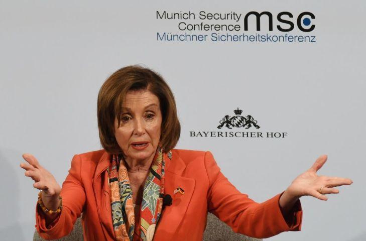 2月14日、ドイツのミュンヘン安全保障会議でスピーチする米下院議長ナンシー・ペロシ氏(GettyImages)