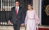 スペイン政府は、ペドロ・サンチェス首相のベゴニャ・ゴメス夫人に中共ウイルスの陽性反応が出たと発表した(GettyImages)
