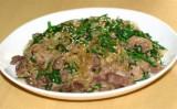牛肉の春雨とニラの炒め煮(大紀元)