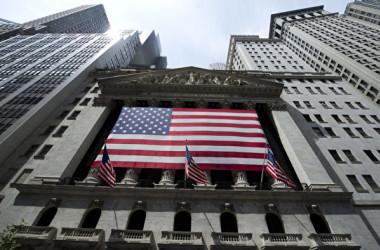 米ニューヨーク証券取引所。写真撮影は2011年8月18日(Photo credit should read DON EMMERT/AFP/Getty Images)
