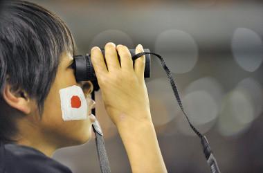 2019年5月から10月にかけて行われた世論調査によると、台湾の対米感情が向上した。日本人の85%が、中国を「好ましくない」で世界最多だった。写真は、サッカーの国際試合を観戦する男の子、参考写真(Getty Images)