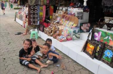 インドネシア・バリ島の子供たち(大紀元)