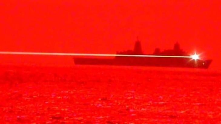 米太平洋艦隊は、高出力レーザー兵器を試験し、成功したと発表した(US Navy)