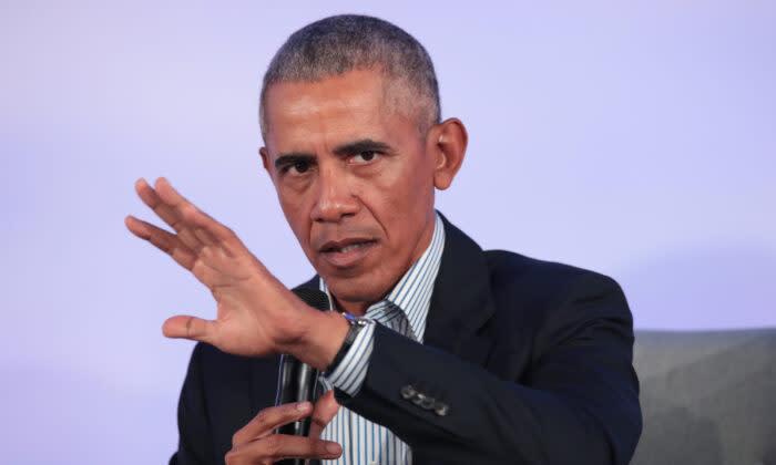 2019年10月29日、イリノイ州シカゴのイリノイ工科大学キャンパスで開催されたオバマ財団サミットで、来賓にスピーチをするバラク・オバマ前大統領  (Scott Olson/Getty Images)