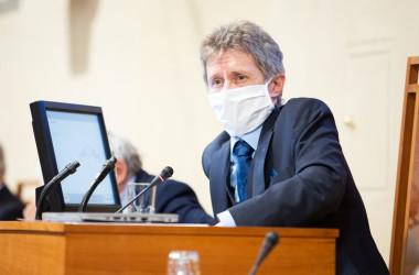 チェコのミロシュ・ビストルジル上院議長。3月19日議会場で撮影(facebookページより)