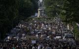 6月上旬、米ワシントンDCのラファイエット広場で反人種差別デモが行われた(Getty Image/Drew Angerer )