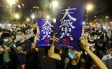 香港の国家安全維持法が成立、即日施行された。中国共産党の抑圧に抗議する香港市民(宋碧龍/大紀元)