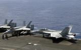 訓練中の空母レーガンには、 F/A-18 スーパーホーネットが搭載されている。参考写真(GettyImages)