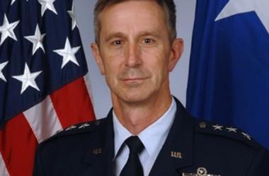 在日米軍の代表を務めるケビン・シュナイダー司令官(usfj.mil)
