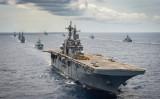 8月21日、ハワイ沖で訓練中の米海軍。環太平洋合同演習(リムパック)が17~31日の日程で行われている(米海軍)