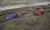 チベット山脈周辺を巡礼する信仰者、2007年撮影(GettyImages)