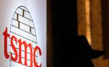 台湾TSMCが今年5月、中国ファーウェイとの取引を停止した後、他国各社からの受注が増えた(SAM YEH/AFP via Getty Images)