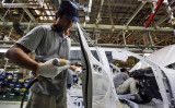 経済産業省の発表によると、「サプライチェーン対策のための国内投資促進事業費補助金」第2弾公募で1670件の1兆7640億円の応募が集まった(Getty Images)
