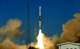 5月12日、中国の2基の衛星「行雲2号」01星と02星が、快舟1号甲(KZ-1A)ロケットにより、甘粛省・酒泉衛星発射センターから打ち上げられた(STR / AFP via Getty Images )