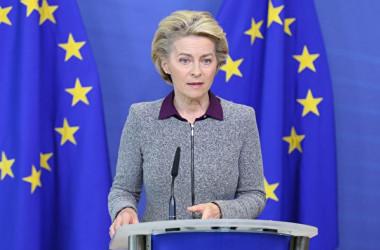 欧州委員会のウルズラ・フォンデアライエン委員長(FRANCOIS WALSCHAERTS/POOL/AFP via Getty Images)