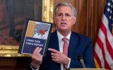 ケビン・マッカーシー下院少数党院内総務は9月30日、議会施設内で、中国に関する報告書について記者会見を行った(GettyImages)