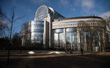 写真は、ベルギーのブリュッセルにある欧州議会議事堂(Leon Neal/Getty Images)
